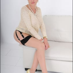 Lady Sonia in 'Lady Sonia' Nylons mature spread (Thumbnail 15)