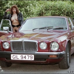 Lady Sonia in 'Lady Sonia' Nylons mistress (Thumbnail 1)
