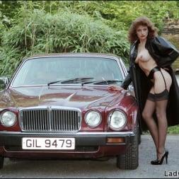 Lady Sonia in 'Lady Sonia' Nylons mistress (Thumbnail 2)