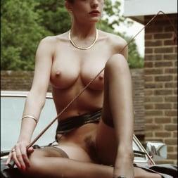 Lady Sonia in 'Lady Sonia' Nylons mistress (Thumbnail 7)