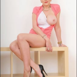 Lady Sonia in 'Lady Sonia' Pin up mature wife (Thumbnail 11)