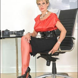 Lady Sonia in 'Lady Sonia' Red nylons mature (Thumbnail 1)