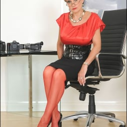 Lady Sonia in 'Lady Sonia' Red nylons mature (Thumbnail 2)