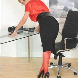 Lady Sonia in 'Lady Sonia' Red nylons mature (Thumbnail 4)