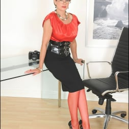 Lady Sonia in 'Lady Sonia' Red nylons mature (Thumbnail 5)