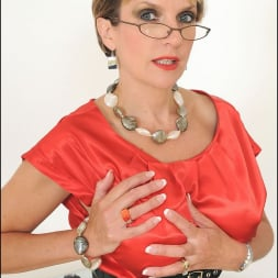 Lady Sonia in 'Lady Sonia' Red nylons mature (Thumbnail 6)