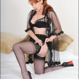 Red XXX in 'Lady Sonia' Redheaded mature (Thumbnail 2)