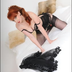 Red XXX in 'Lady Sonia' Redheaded mature (Thumbnail 7)