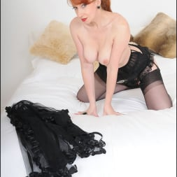 Red XXX in 'Lady Sonia' Redheaded mature (Thumbnail 11)