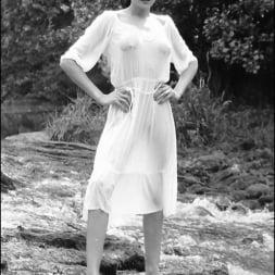 Lady Sonia in 'Lady Sonia' Retro leggy milf (Thumbnail 4)
