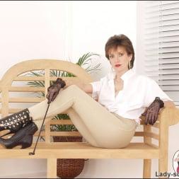 Lady Sonia in 'Lady Sonia' Riding mistress (Thumbnail 2)