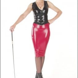 Lady Sonia in 'Lady Sonia' Rubber mistress (Thumbnail 3)