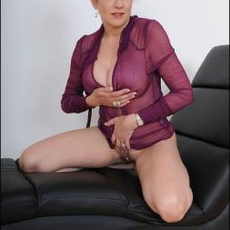 Lady Sonia in 'Lady Sonia' See thru blouse milf (Thumbnail 9)