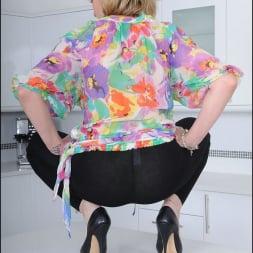 Lady Sonia in 'Lady Sonia' Skintight leggings (Thumbnail 8)