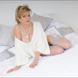 Lady Sonia in 'Lady Sonia' Stockings mature (Thumbnail 7)
