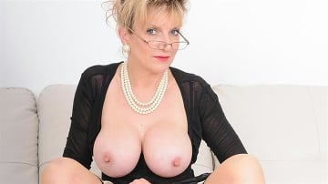 Lady Sonia - Stockings mature