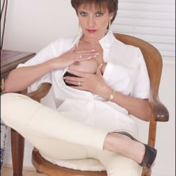 Lady Sonia in 'Lady Sonia' Strict dominatrix (Thumbnail 3)