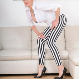 Lady Sonia in 'Lady Sonia' Striped leggings (Thumbnail 2)