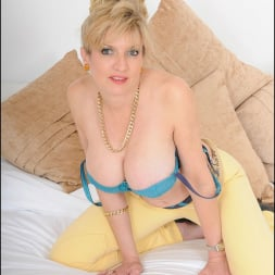 Lady Sonia in 'Lady Sonia' Stunning mature (Thumbnail 12)