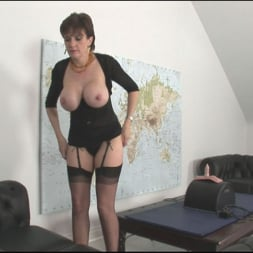 Lady Sonia in 'Lady Sonia' Sybian riding mature (Thumbnail 6)