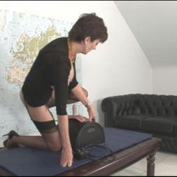 Lady Sonia in 'Lady Sonia' Sybian riding mature (Thumbnail 8)