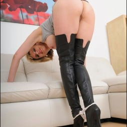 Lady Sonia in 'Lady Sonia' Thigh boots mature (Thumbnail 13)