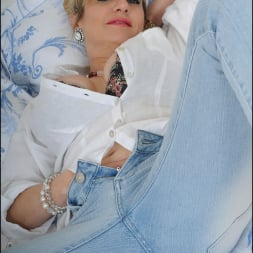 Lady Sonia in 'Lady Sonia' Tight jeans mature (Thumbnail 6)