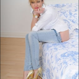Lady Sonia in 'Lady Sonia' Tight jeans mature (Thumbnail 12)
