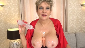 Lady Sonia in 'Tit Wank With Lots Of Oil'