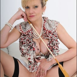 Lady Sonia in 'Lady Sonia' Trophy wife sonia (Thumbnail 9)