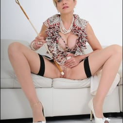 Lady Sonia in 'Lady Sonia' Trophy wife sonia (Thumbnail 10)