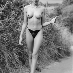 Lady Sonia in 'Lady Sonia' Vintage lady sonia (Thumbnail 3)