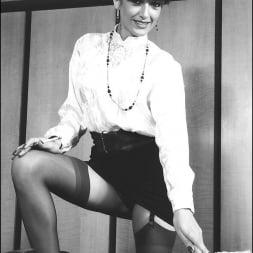 Lady Sonia in 'Lady Sonia' Vintage lady sonia (Thumbnail 14)