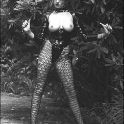 Lady Sonia in 'Lady Sonia' Vintage leggy domme (Thumbnail 1)