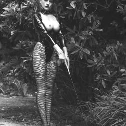 Lady Sonia in 'Lady Sonia' Vintage leggy domme (Thumbnail 2)