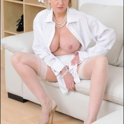 Lady Sonia in 'Lady Sonia' White stockings milf (Thumbnail 1)