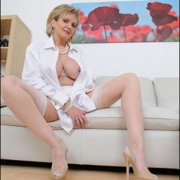 Lady Sonia in 'Lady Sonia' White stockings milf (Thumbnail 2)