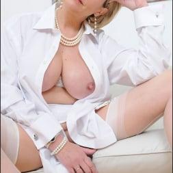 Lady Sonia in 'Lady Sonia' White stockings milf (Thumbnail 4)