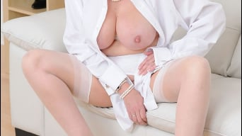 Lady Sonia in 'White stockings milf'