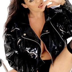 Linsey Dawn McKenzie in 'Linsey Dawn McKenzie' 21th Century Fox (Thumbnail 3)