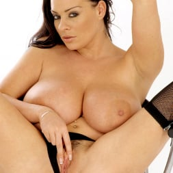 Linsey Dawn McKenzie in 'Linsey Dawn McKenzie' 21th Century Fox (Thumbnail 12)
