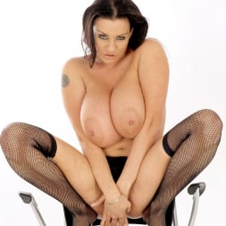 Linsey Dawn McKenzie in 'Linsey Dawn McKenzie' 21th Century Fox (Thumbnail 13)