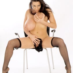 Linsey Dawn McKenzie in 'Linsey Dawn McKenzie' 21th Century Fox (Thumbnail 16)