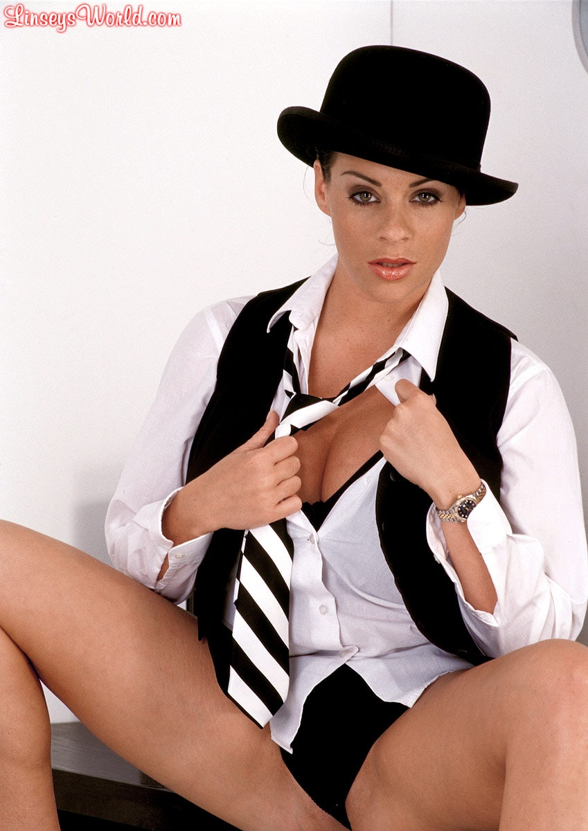 Linsey Dawn McKenzie 'Clockwork Linsey' starring Linsey Dawn McKenzie (Photo 4)