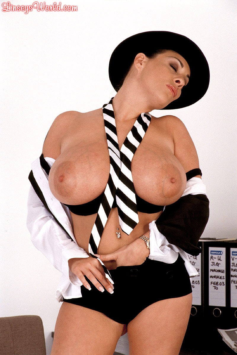 Linsey Dawn McKenzie 'Clockwork Linsey' starring Linsey Dawn McKenzie (Photo 12)