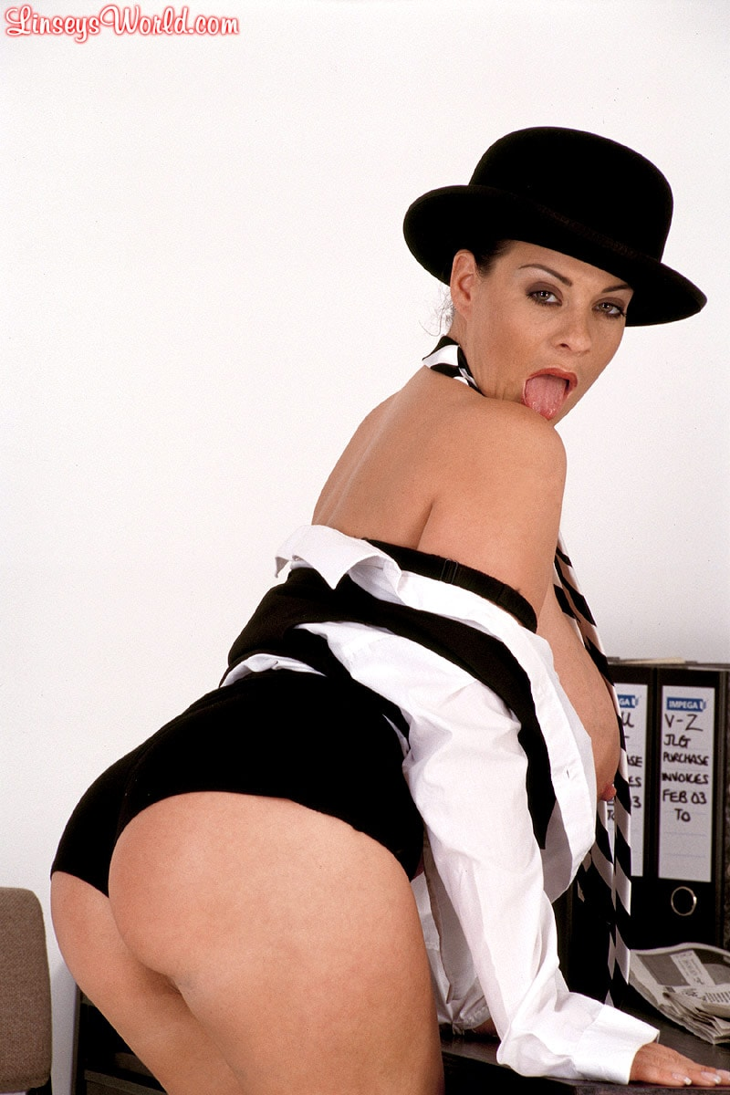Linsey Dawn McKenzie 'Clockwork Linsey' starring Linsey Dawn McKenzie (Photo 16)