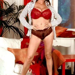 Linsey Dawn McKenzie in 'Linsey Dawn McKenzie' Dressed To Spill (Thumbnail 1)