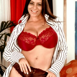Linsey Dawn McKenzie in 'Linsey Dawn McKenzie' Dressed To Spill (Thumbnail 2)