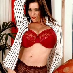 Linsey Dawn McKenzie in 'Linsey Dawn McKenzie' Dressed To Spill (Thumbnail 3)