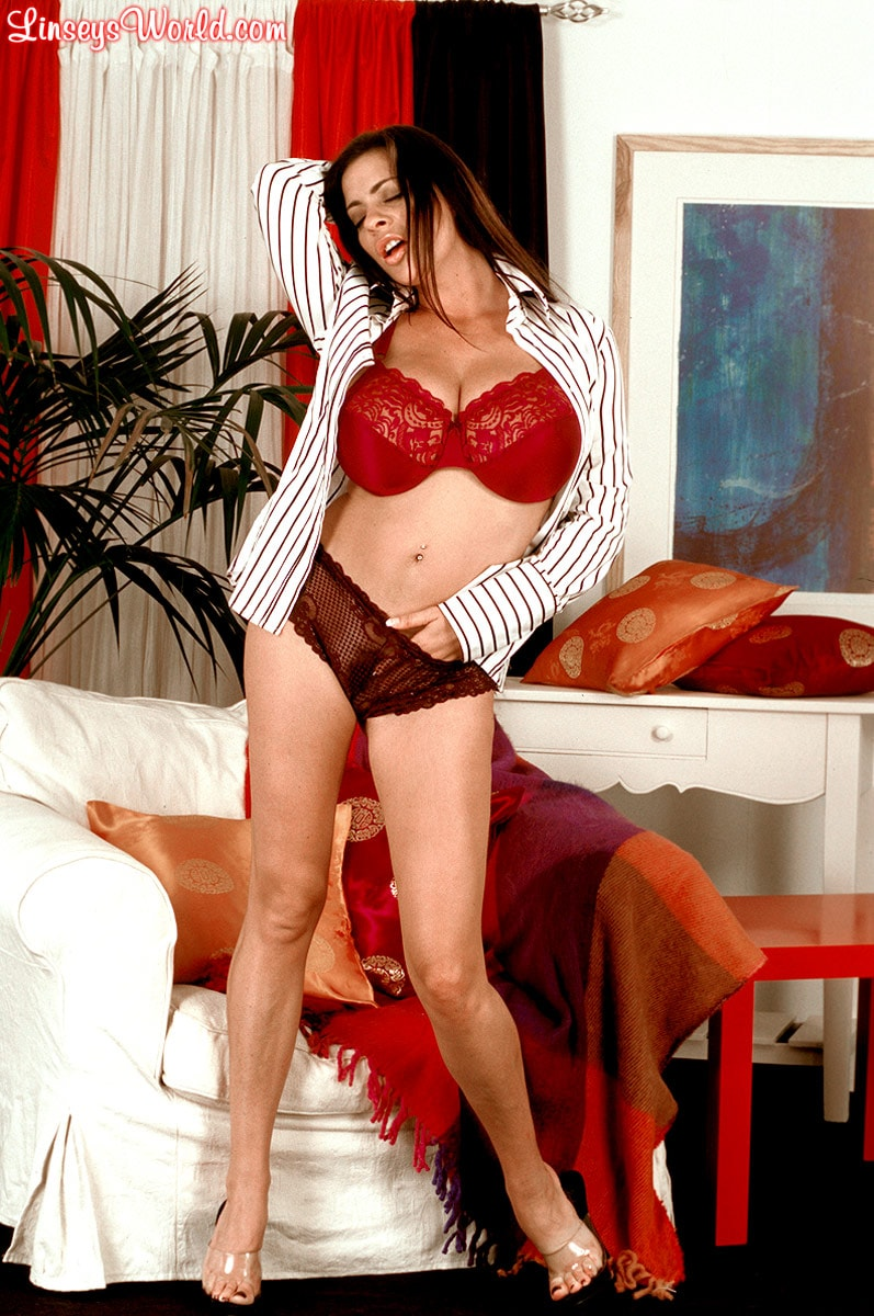 Linsey Dawn McKenzie 'Dressed To Spill' starring Linsey Dawn McKenzie (Photo 4)